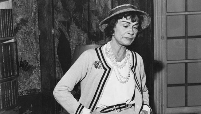 Coco Chanel con canotier