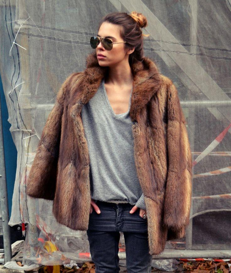 4. abrigo piel street style
