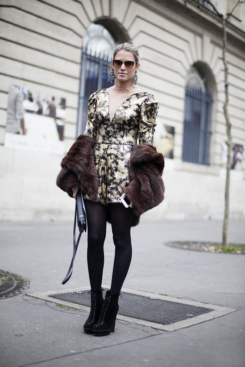 8. abrigo piel street style
