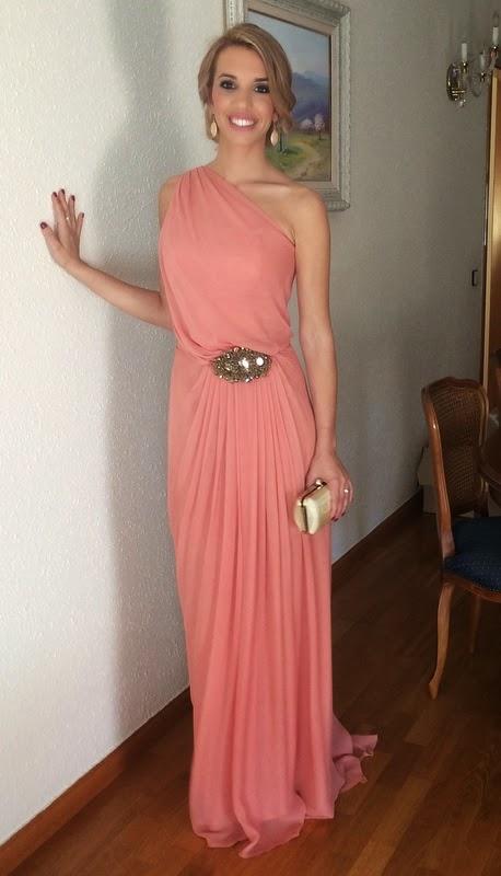 cristina gaitan con vestido de la mas mona