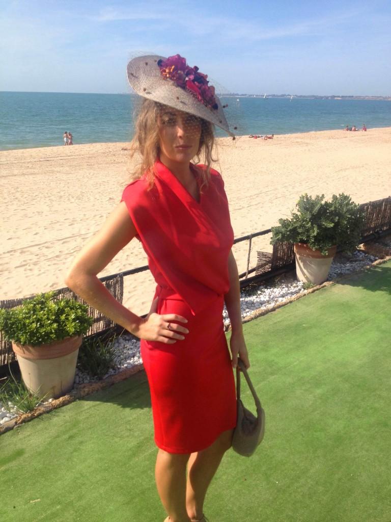traje rojo amaya arzuaga