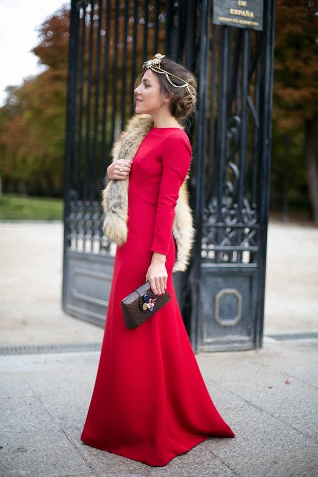 inivitada con tiara