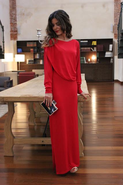vestido de punto rojo