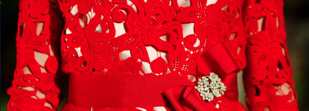Detalle vestido rojo de La Mas Mona.com