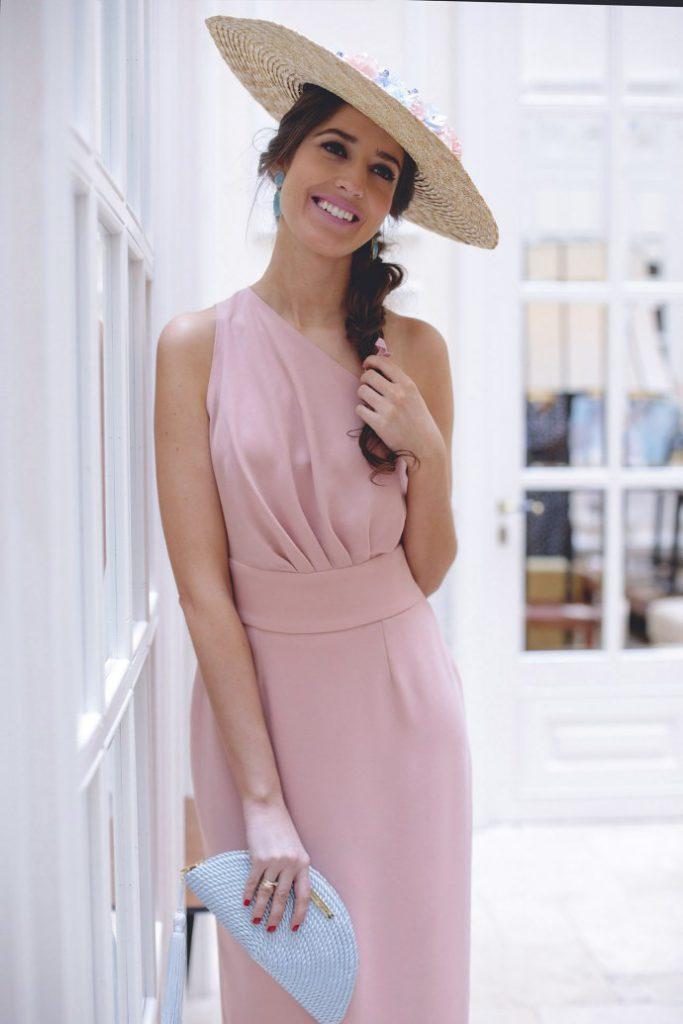 Vestido-con-espalda-rosa-de-Maria-José-Suarez-13-1