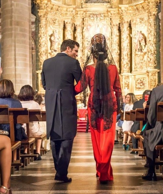 madrina de boda de rojo